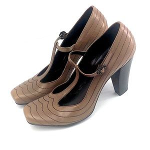 FRANCO SARTO square toe T strap triangle heel